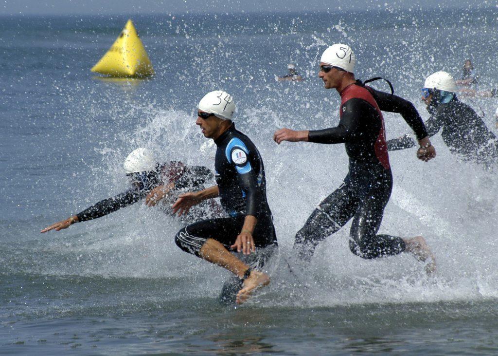 départ de natation en thiathlon