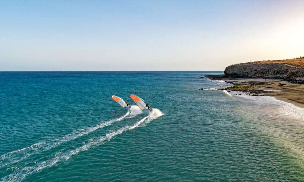 Planches à voile en mer