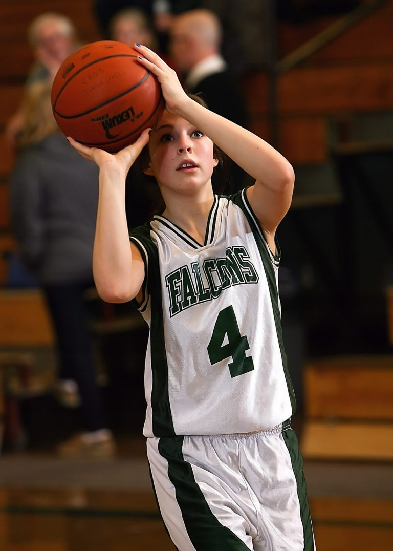 jeune joueur de basket